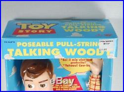 1995 Toy Story Thinkway Poseable Pull-String Talking Woody Doll Box Italian/Eng