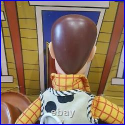TOY STORY Woody Pull String talking doll There's a Snake in my boot, original