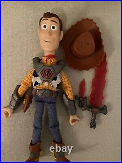 Toy Story That Time Forgot BATTLESAURS WOODY Talking DOLL Swords Thinkway RARE