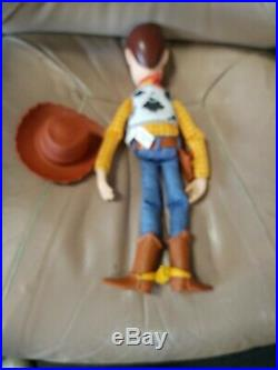 Very Rare Thinkway Toys Toy Story 15 Push Button Talking Woody with hat